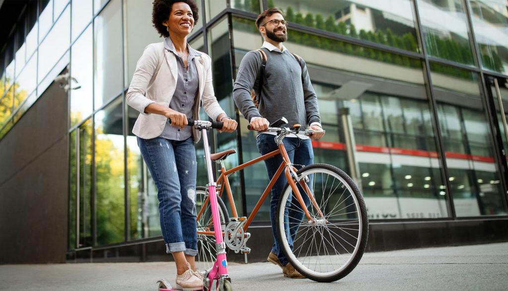 Vélos ou trottinettes électriques : quel est le meilleur choix